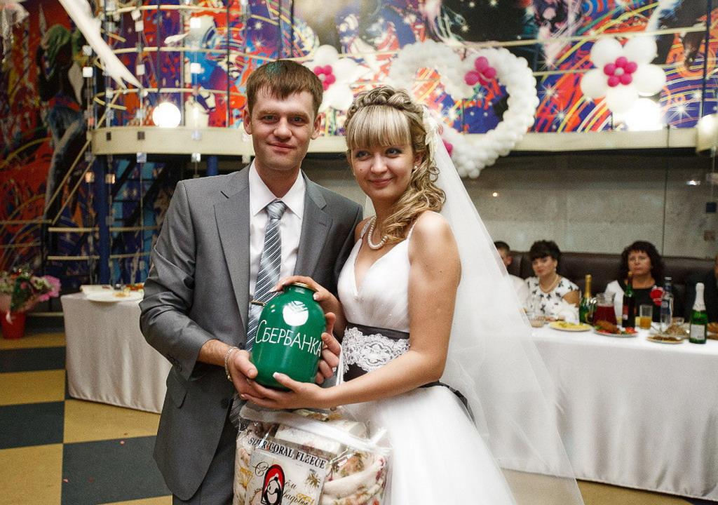 Как сделать банк для свадьбы своими руками из коробки